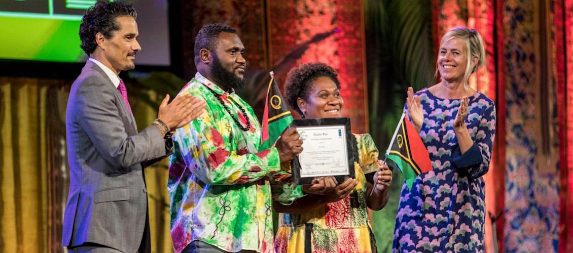 LLEE Vanuatu receiving global environment prize